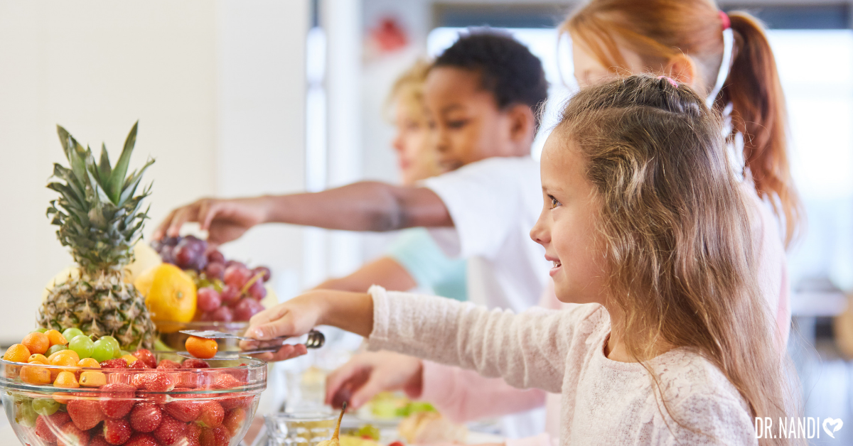 Here's how to help your kids eat a healthy school lunch